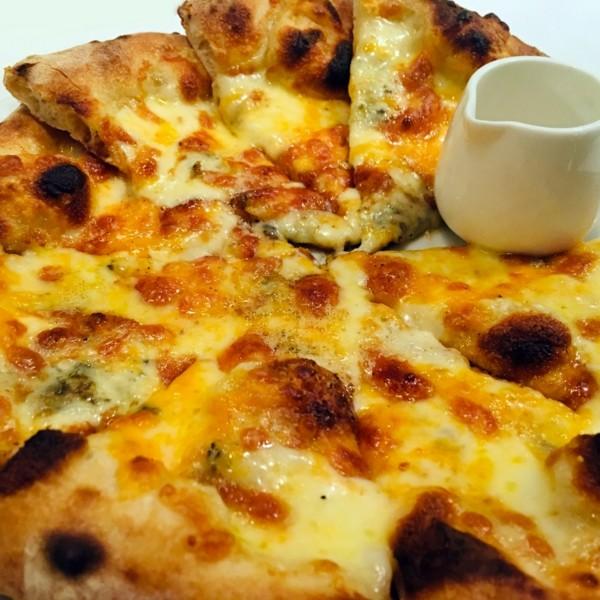 4種のチーズピザ ¥820